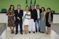 Câmara faz entrega de título de cidadã Campomaiorense a professora da UESPI Vanessa Negreiros