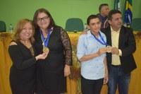 A Câmara realizou na noite dessa quinta-feira sessão solene em homenagem a professora Silvana Orsano e o aluno Léo Pereira