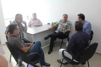 Prefeito e vereadores de Piracuruca-PI visitam Câmara de Campo Maior para conhecerem modelo de gestão do município